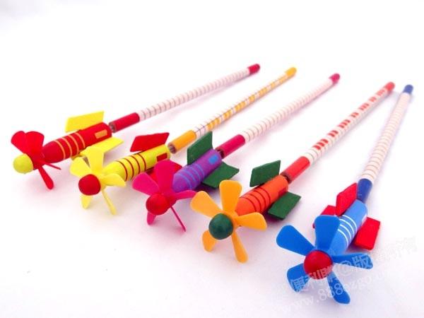 火箭风车造型木头铅笔(多款随机)